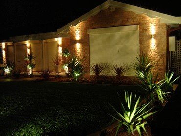 Give your home a stunning, modern look by using outdoor lights!